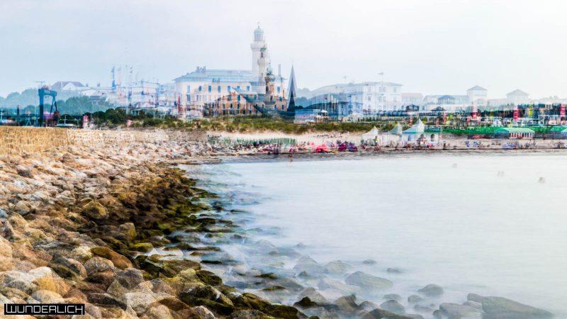 Teepott und Strand von Warnemünde